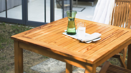 Масло Osmo для садовых домиков и садовой мебели